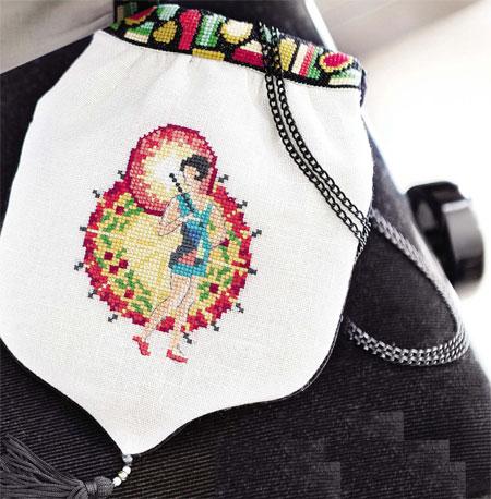 вышитая сумочка