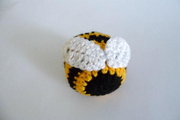 пчелка крючком