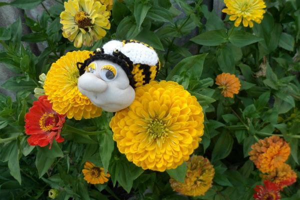 вязание крючком пчела