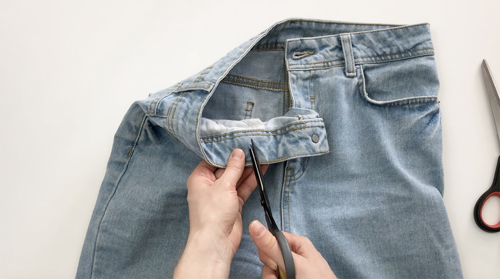 как ушить джинсы в талии